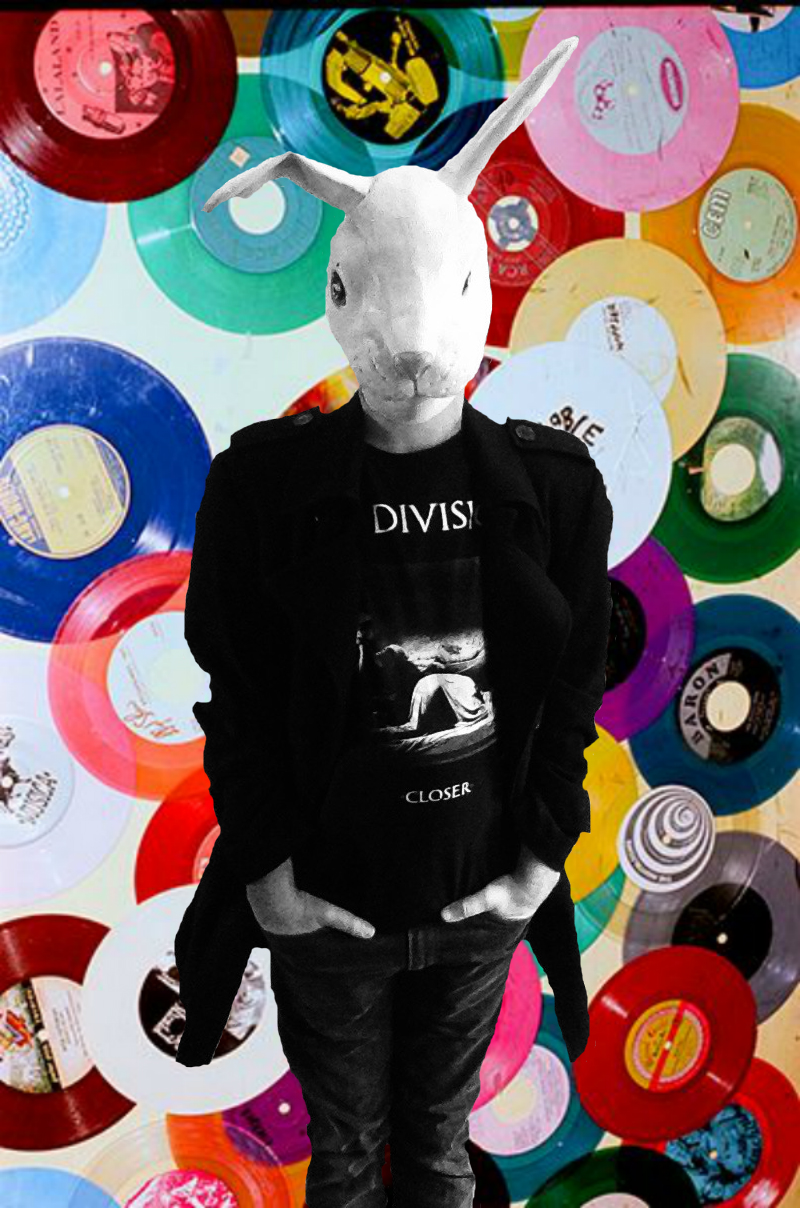 Toujours en noir ... Seule la musique me redonne des couleurs Still in black ... Only music brings back colors